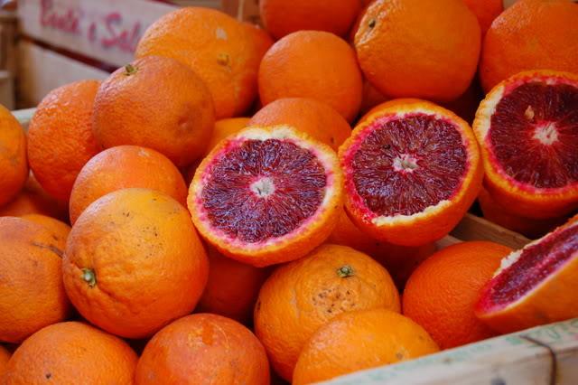 Prajitura cu migdale si sirop de portocale rosii