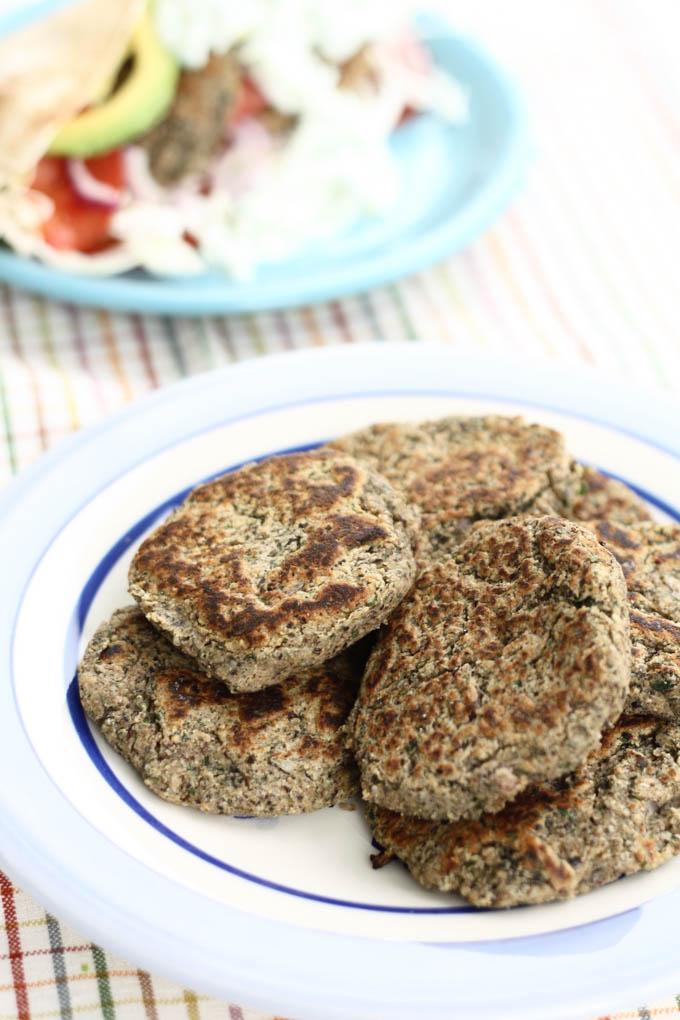 chiftele-din-fasole-si-quinoa-2