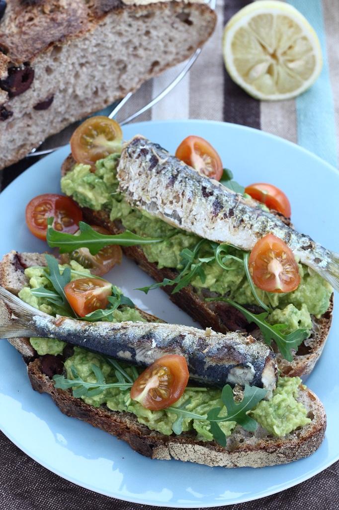 sandvis_sardine_avocado (1)