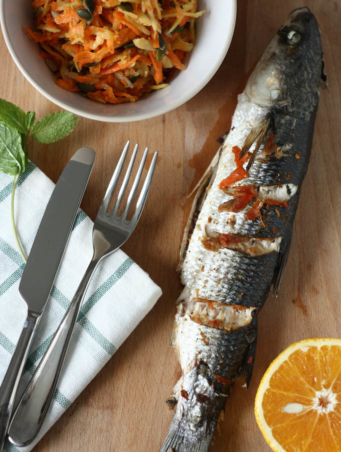 Chefal in stil asiatic si salata de morcovi