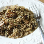 Mancare de quinoa cu ciuperci