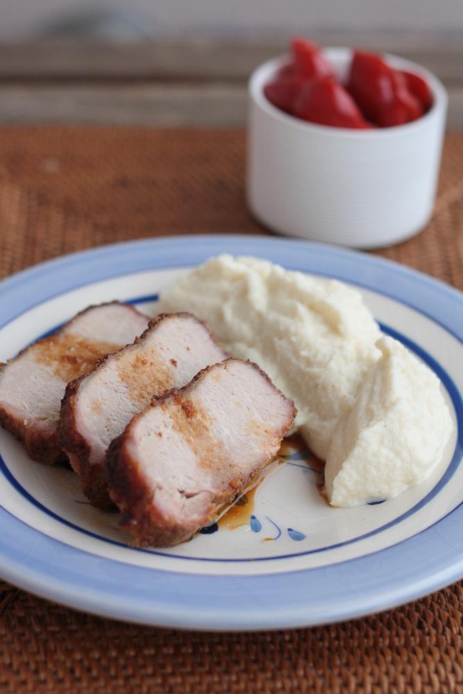 cotlet-de-porc-cu-scortisoara-si-piure-de-conopida-2