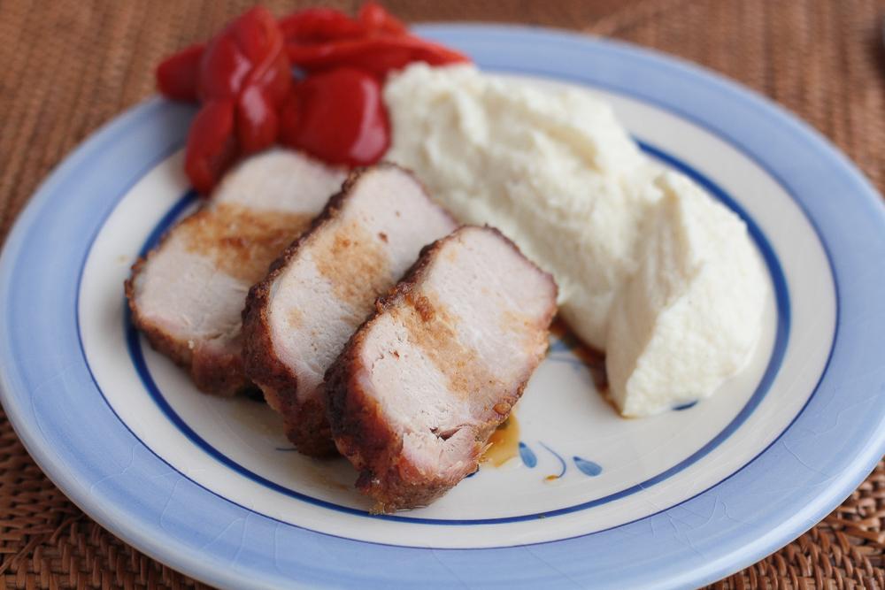 cotlet-de-porc-cu-scortisoara-si-piure-de-conopida