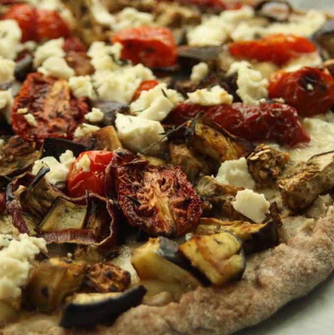 Pizza cu tahini si vinete