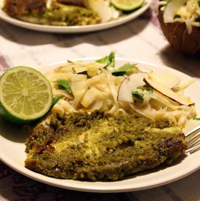 Dorada in pesto de caju cu salata thailandeza cu cocos si fructul pasiunii